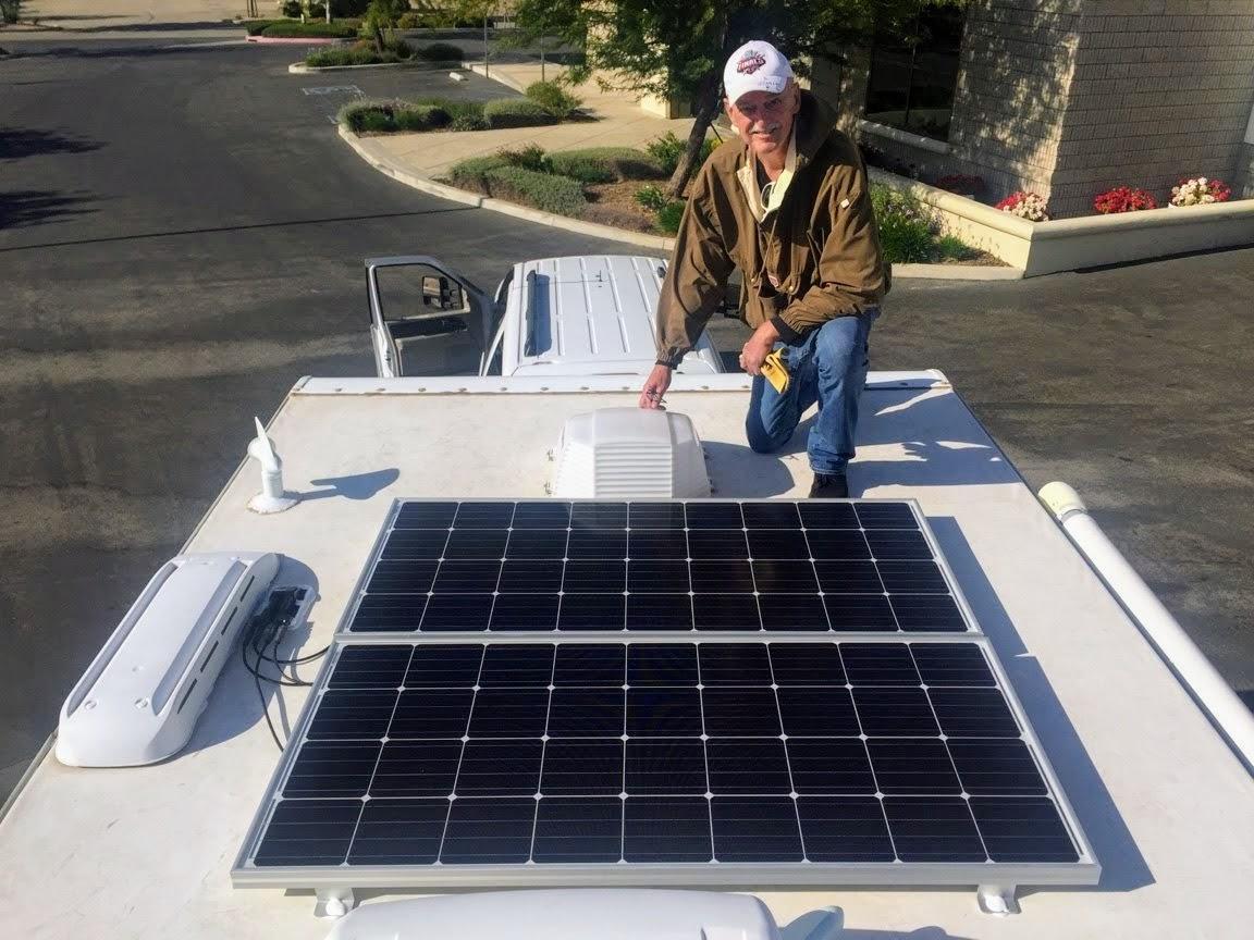 Lance Travel Trailer – Solar PanelsInstall